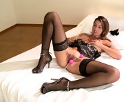 vixenx Sexy babe in lingerie plays with sex beads