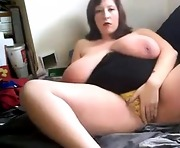Busty huge tit curvy bbw babe masturbates with vibe