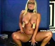 Busty bondage milf playing in front of the webcam for the pleasur